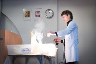"""Warsztaty chemiczne """"Od wrzenia do gazu"""" - 24 kawietnia 2017"""